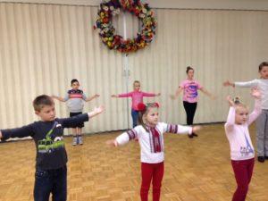 ukrainian-dance-students